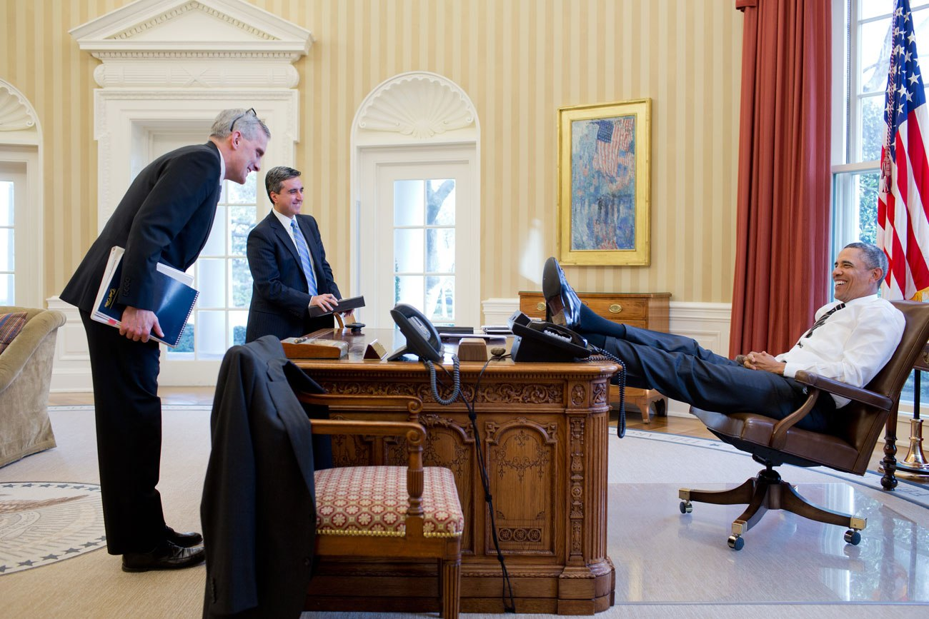 barack obama laid backsl3obama lean barack obama enters oval