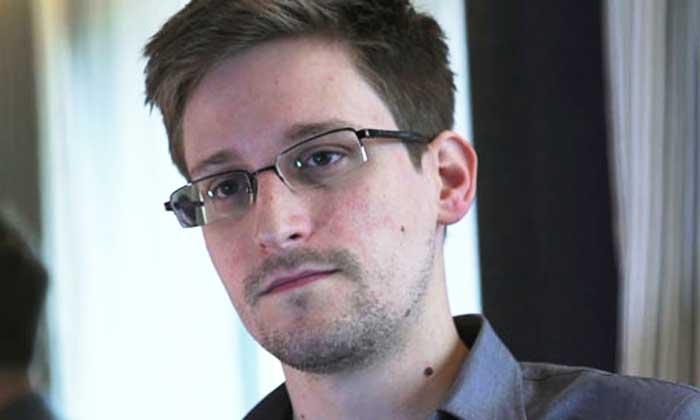 Edward-Snowden-008