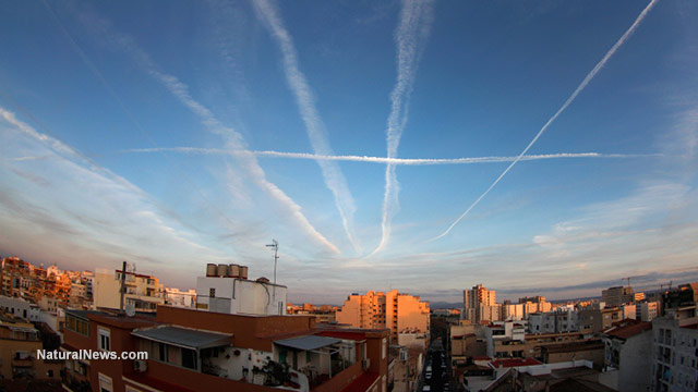 Chemtrails-Airplane-Sky-City-Toxic-Chemicals