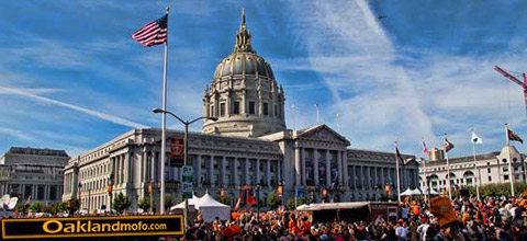 Chemtrails and Chemclouds over San Francisco City Hall