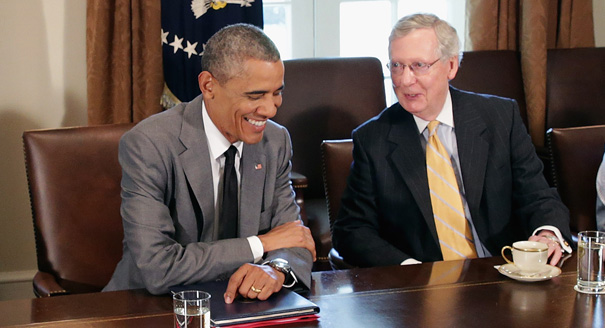 WASHINGTON, DC - JULY 31: U.S. President Barack Obama (2nd L) meets with (L-R) Senate Majority Leader Harry Reid (D-NV), Senate Minority Leader Mitch McConnell (R-KY), Senate Select Committee on Intelligence Chair Dianne Feinstein (D-CA) and other members of Congress to discuss foreign policy in the Cabinet Room at the White House July 31, 2014 in Washington, DC. Obama met with the bicameral and bipartisan group before the Senate and House of Representatives recessed today for their 5-week summer break. (Photo by Chip Somodevilla/Getty Images)