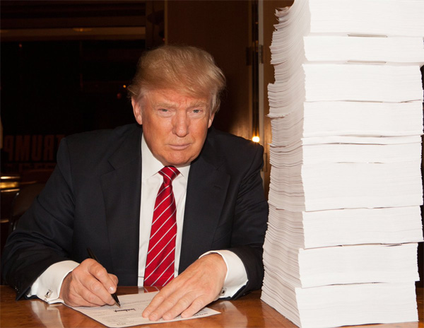 "GOP frontrunner Donald Trump shared this photo of himself signing ""a recent tax return"" (Photo: Twitter) Read more at http://www.wnd.com/2016/02/dump-on-trump-night-debate-means-war-on-gop-kingpin/#qSAVrmqpwLzVCMRc.99"