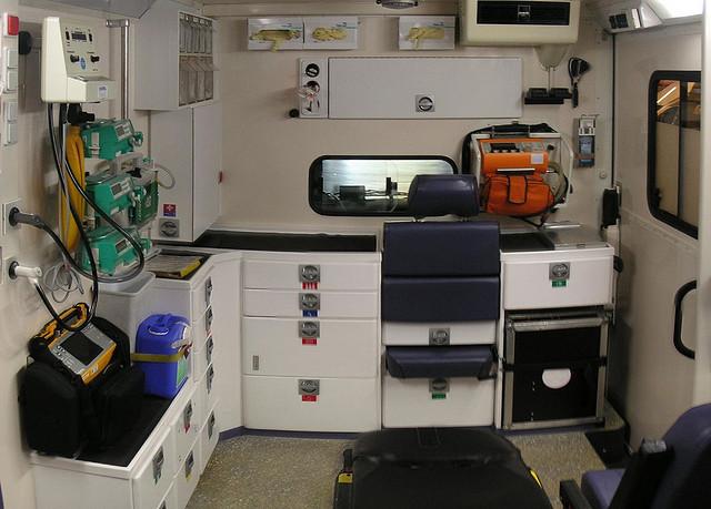 paramedic-kit-by-ernstl