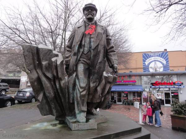 why is there a statue of vladimir lenin in seattle the millennium rh themillenniumreport com